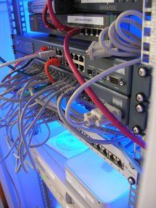 שירות תמיכת מחשבים לעסק